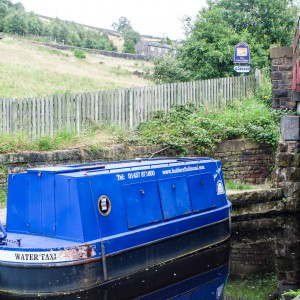 Barge near Standedge Visitor Centre